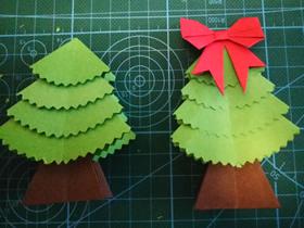 简单平面圣诞树的折法图解