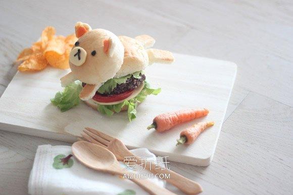 用面包做小熊汉堡的方法- www.aizhezhi.com