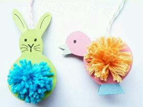 用毛线和卡纸做小动物挂饰的方法