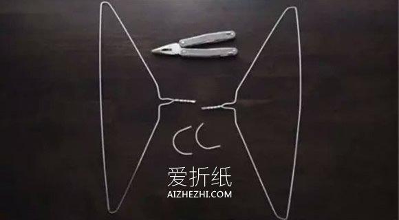 怎么用铁丝衣架做天使翅膀的方法- www.aizhezhi.com