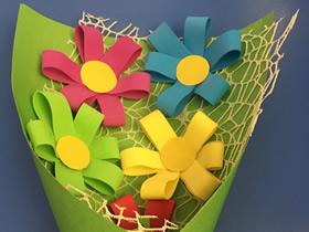 怎么简单用泡沫纸做花束礼物的方法