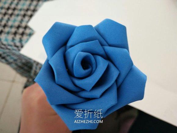怎么用泡沫纸做玫瑰花的方法图解- www.aizhezhi.com