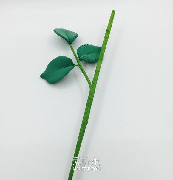 怎么用粘土做玫红色玫瑰花的方法教程- www.aizhezhi.com