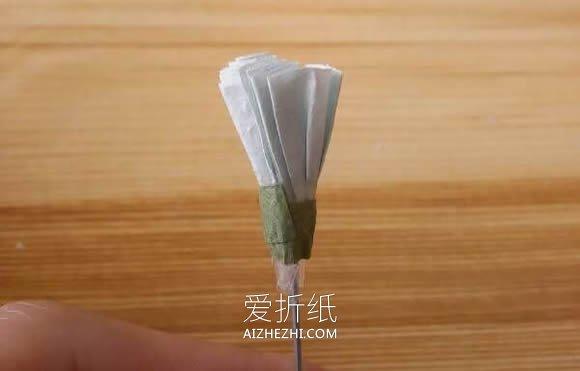 怎么用手揉纸做满天星的方法教程- www.aizhezhi.com