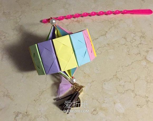 怎么用12张纸折纸灯笼的折法图解- www.aizhezhi.com