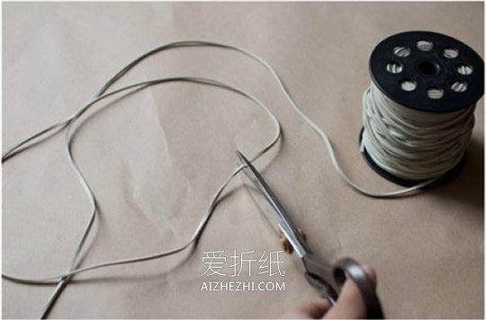怎么用皮绳改造旧毛衣的方法图解- www.aizhezhi.com