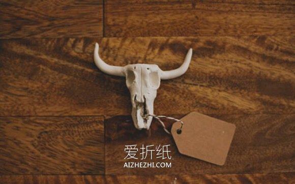 怎么用软陶做山羊头骨小饰品的方法- www.aizhezhi.com