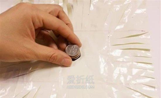 怎么用塑料袋做简易毽子的方法图解- www.aizhezhi.com