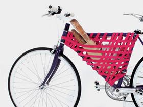 怎么用松紧带做自行车篮的方法