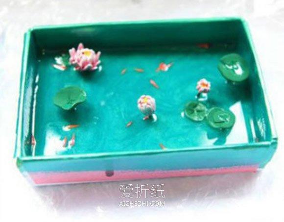 怎么用铁盒做夏日荷塘装饰品的方法图解- www.aizhezhi.com