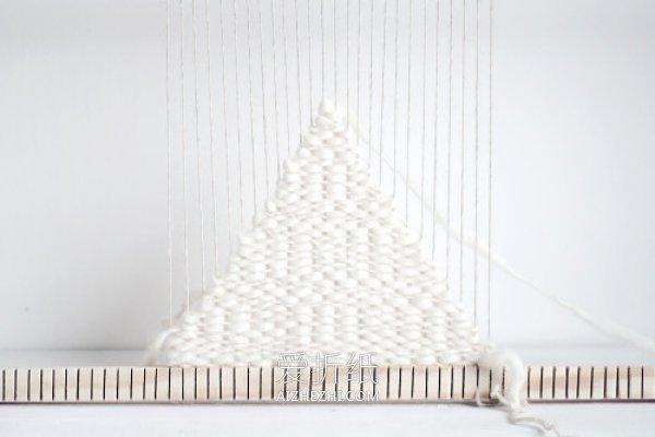 怎么用纱线编方形杯垫的方法图解- www.aizhezhi.com