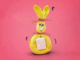 怎么用毛巾做兔子玩偶的方法图解