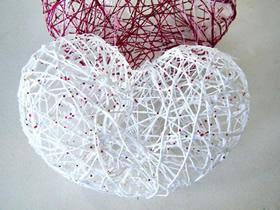 怎么用毛线做情人节镂空的心装饰的方法图解