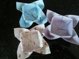 怎么折纸花朵形状盒子的折法图解