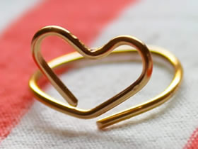 怎么用金属丝做爱心戒指的方法图解