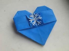 怎么折纸雪花爱心的折法图解