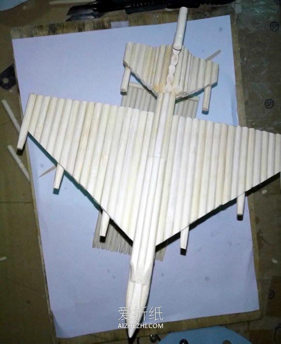 怎么用一次性筷子做战斗机模型的方法图解- www.aizhezhi.com