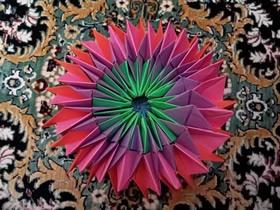 怎么折纸无限翻烟花的折法步骤图解