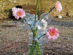 怎么用饮料瓶做多孔花瓶的方法图解