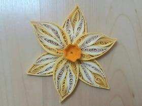 怎么用衍纸做水仙花的方法图解