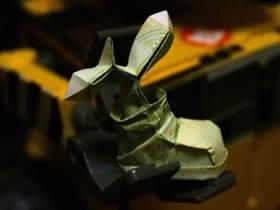 怎么用一元纸币折纸鞋子芽苗的方法图解
