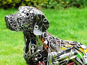 怎么用金属零配件做动物雕塑的作品图片