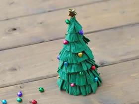 皱纹纸圣诞树手工制作图片